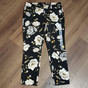 👖OLD NAVY PIXIE ANKLE PANTS 👖
